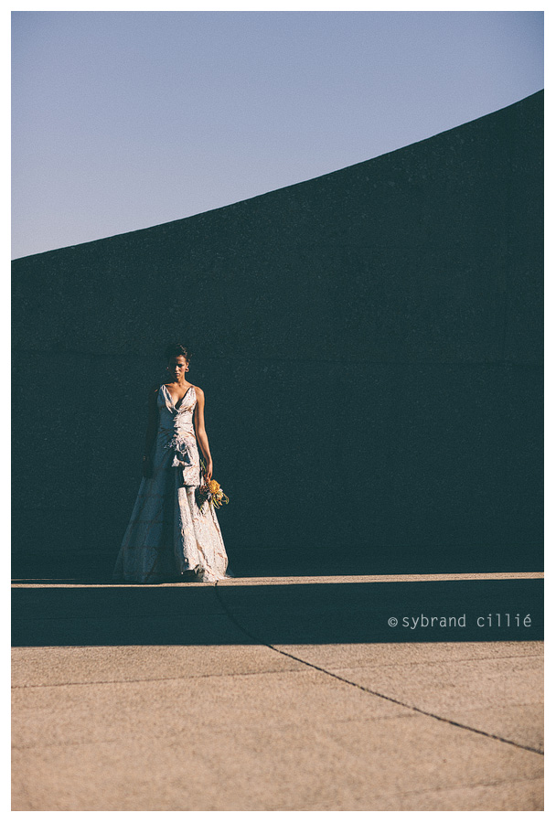Beautiful geometrics themed wedding inspiration styled shoot at the Afrikaans Language Monument in Paarl.