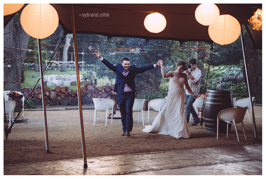 Fun Beloftebos wedding by Sybrand Cillié