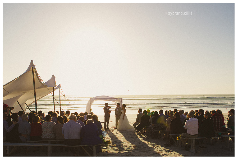 Awesome beach wedding with American muscle car